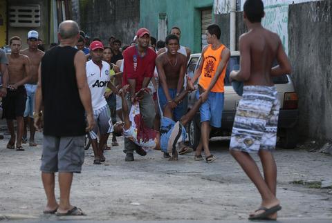 ブラジル10