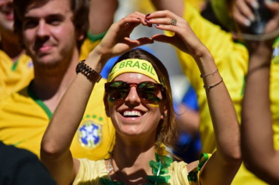 FBL-WC-2014-MATCH49-BRA-CHI-FANS