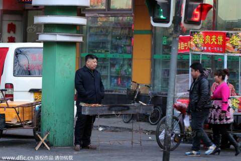 中国でキム・ジョンウンが屋台で働いている!?